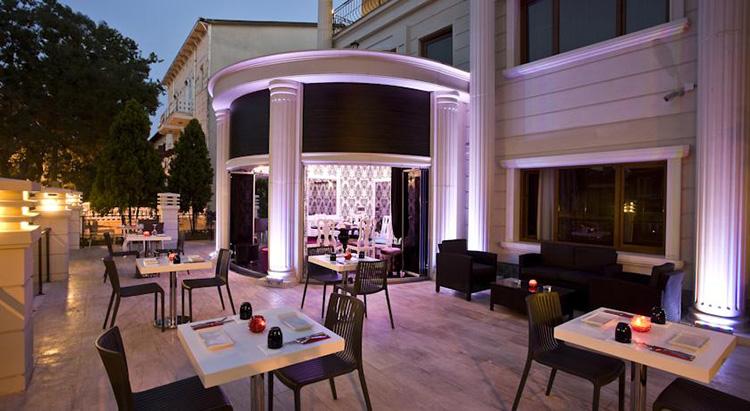 Отели Стамбула 4 звезды на берегу моря с открытым бассейном: Ascot Hotel Büyükada