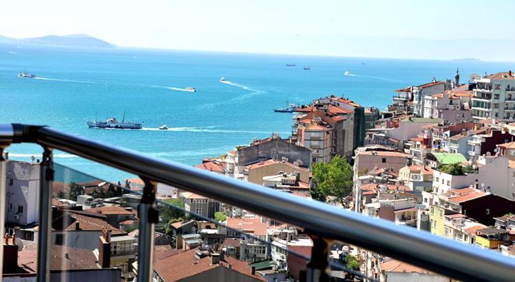 Апарт отели в центре Стамбула с видом на Босфор: Away Suites.