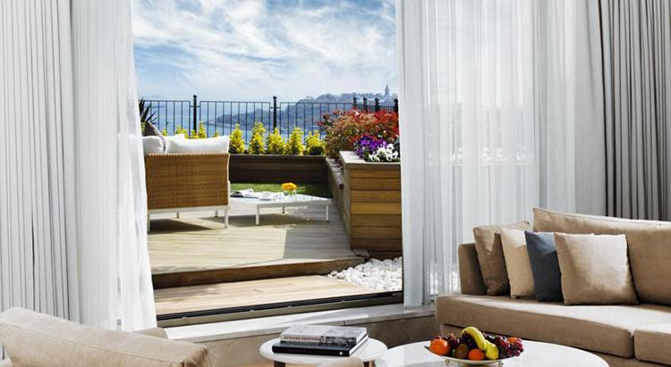 Отели Стамбула 5 звезд в центре города с видом на море: CVK Park Bosphorus Hotel Istanbul.