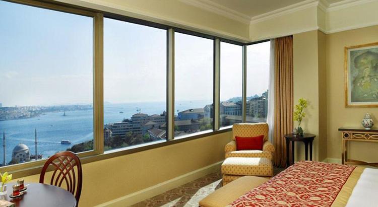 Отели Стамбула 5 звезд в центре города с видом на море: The Ritz Carlton
