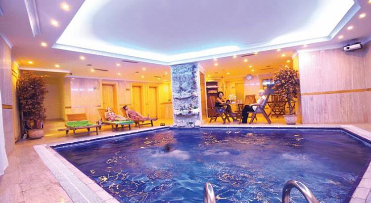 Отели Стамбула в районе Лалели с бассейном: Aspen Hotel
