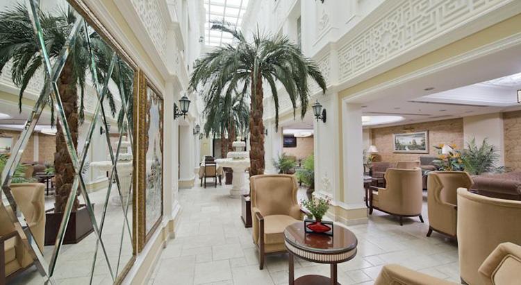 Отели в Стамбуле с русскоговорящим персоналом в центре города: Emporium Hotel.