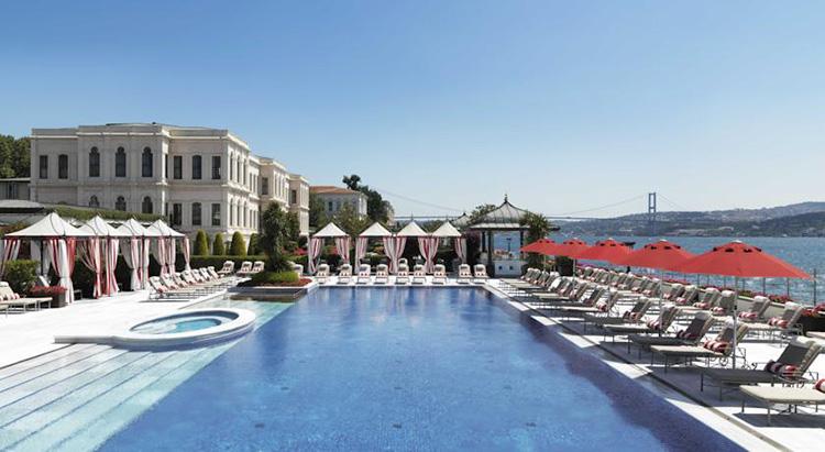 Лучшие отели Стамбула (Турция) с видом на Босфор: Four Seasons Hotel Istanbul at the Bosphorus.