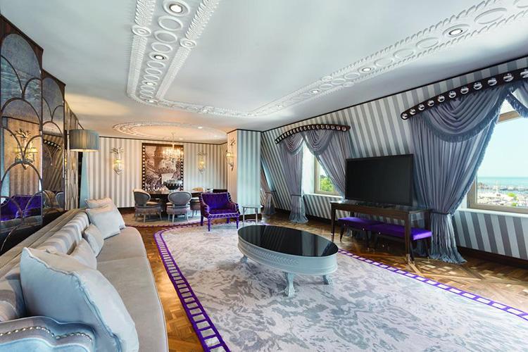 Отели Стамбула 5 звезд у моря: Wyndham Grand Istanbul Kalamış Marina Hotel