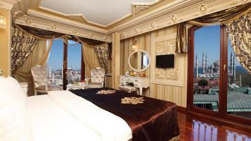 Отели 4 звезды в центре Стамбула: Deluxe Golden Horn Sultanahmet Hotel.