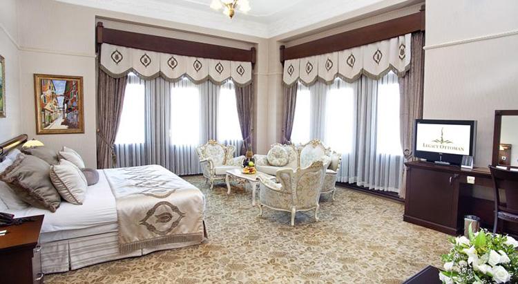 Самые дешевые отели 5 звезд в центре Стамбула: Legacy Ottoman Hotel.