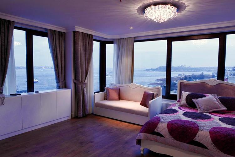 Недорогие гостиницы в центре Стамбула с видом на Босфор