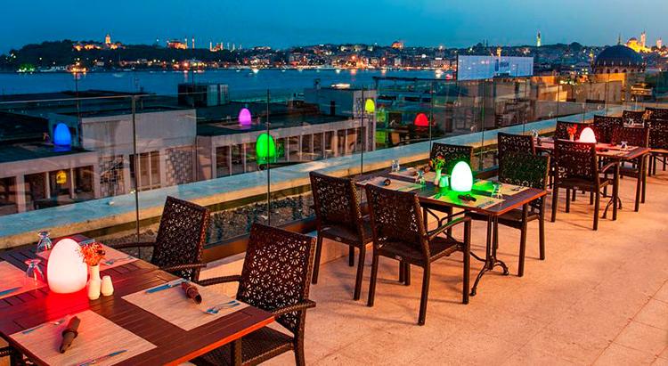 Отели в центре Стамбула с видом на Босфор недорого